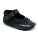 Combined leather little Mary Janes with velcro and ribbon for babies.