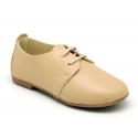 Classic laces up shoes in soft nappa leather with ties closure.