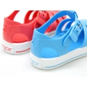 Jelly shoes tennis style design in solid colors.