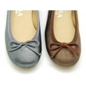 New Ballet flats in matte metal leather with adjustable ribbon.