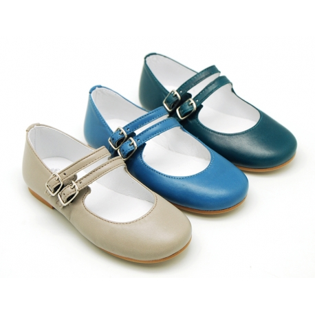 Classic stylized little Mary Jane shoes with double buckle fastening in soft leather.