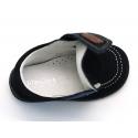 Zapato tipo náutico para peques con velcro en piel serraje.