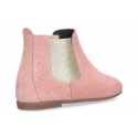 New Ankle boots to dress with elastic band in suede leather with shinny effect.