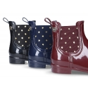 Ankle rain boots with elastic band with STARS design.