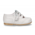 Classic Nappa leather English style shoes with tassels.