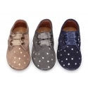 Little laces up shoes in suede leather with STARS print for little kids.