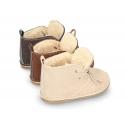 Botita Safari bebé con cordones y BORREGO en piel serraje.