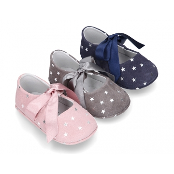 Classic little Mary Janes angel style in suede leather with STARS print design for baby.