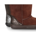 Suede leather boot shoes with METAL counter and fake hair lining.