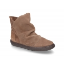 Suede leather girl boot shoes to dress with zipper closure.
