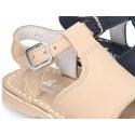 Sandalia piel Nobuck tipo menorquina con suela super flexible.