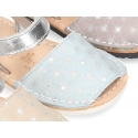 Menorquina sandals with hook and loop strap in suede leather with shiny effects.