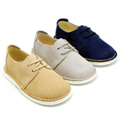 New spring summer laces up shoes in suede leather with flexible soles.