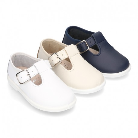 Little Washable leather T-strap shoes with buckle fastening.