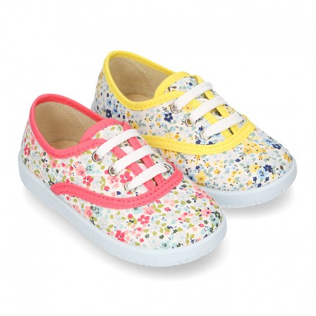 Cotton canvas Bamba shoes with English flower design.