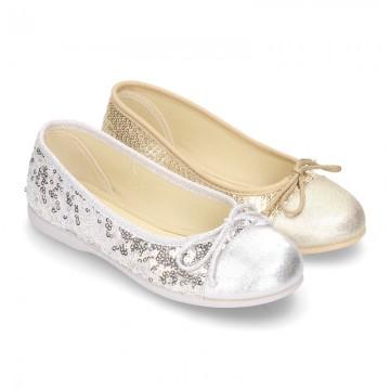 Little metal canvas Ballet flat shoes with sequins design.