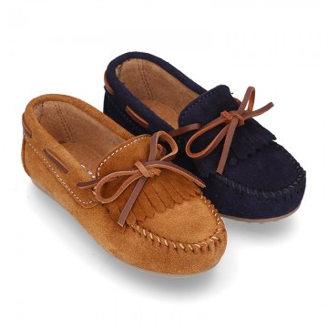 Suede leather Moccasin shoes with FRINGED design.