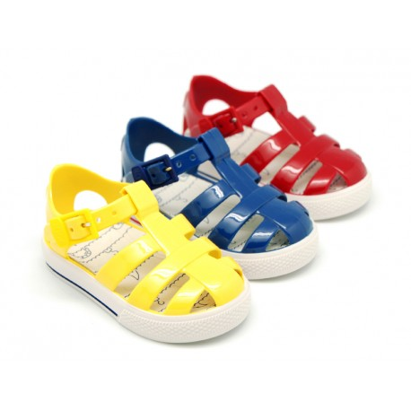 Jelly shoes Nautical style tennis shoe.