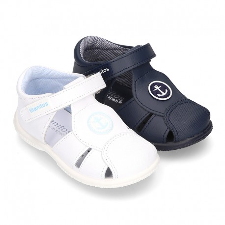 Sandals shoes with toe cap, ANCHOR design and SUEPER FLEXIBLE soles for little kids.