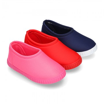 NEOPRENE fabric kids Sneaker shoes for beach and pool use.