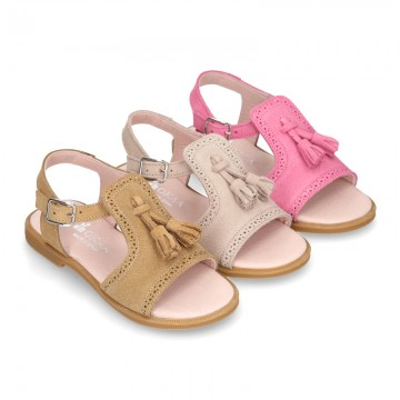 Suede Leather Sandal shoes with tassels for toddler girls.