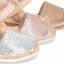 Menorquina Velcro en piel EXTRA SUAVE con lentejuelas.