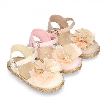 Special CEREMONY espadrille shoes with flower with petals design.
