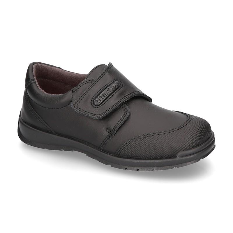 1c92e374256 Zapato colegio con velcro y puntera en piel lavable.