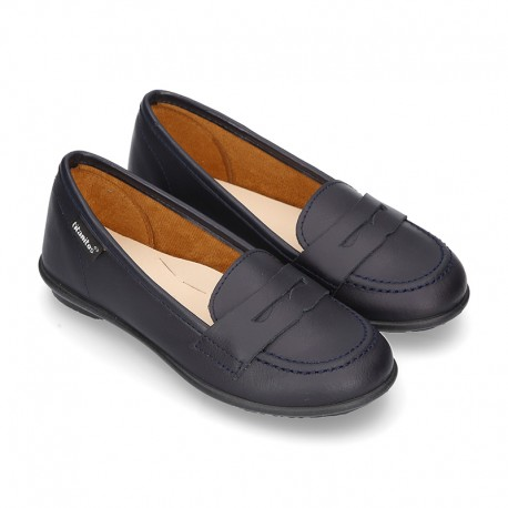 Stylized Moccasin style school shoes in washable leather for toddler girls.