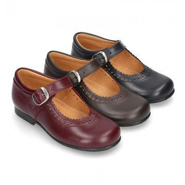 New School Classic Nappa leather little Mary Janes with chopped and scallop design.