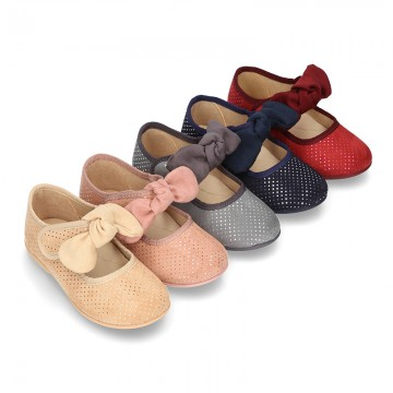 New Autumn winter little dots canvas with velcro strap and big bow design.