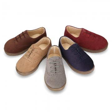 New Suede leather Laces up style shoes with chopped design.