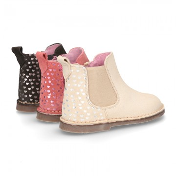 Suede leather ankle boot shoes with HEARTS print design and zipper.