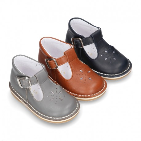 VINTAGE style Nappa Leather T-strap shoes with buckle fastening.
