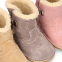 Little ankle boot shoes with FAKE HAIR lining in suede leather for first steps.