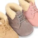 Nueva Botita Safari bebé con forro de borreguito y suela antideslizante en piel serraje.