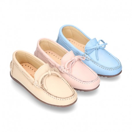 New EXTRA SOFT nappa leather moccasin shoes with bows in pastel colors.