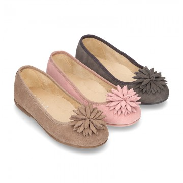 New Suede leather Ballet flat shoes with FLOWER Pompon design.