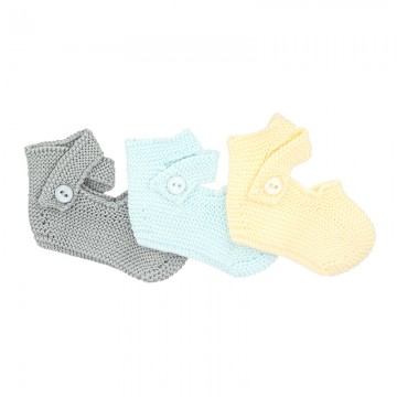 GARTER STICTH BOOTIES WITH BUTTONS BY CONDOR.