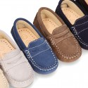 Suede leather Moccasins with detail mask and driver type Outsole for little boys.