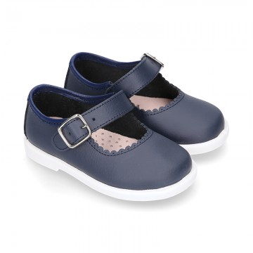 Little Washable leather MARY JANE shoes in navy color with buckle fastening.