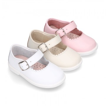 Little Washable leather MARY JANE shoes with buckle fastening.