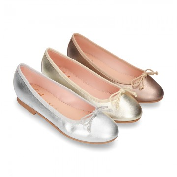 METAL Extra soft leather ballet flats with adjustable ribbon.
