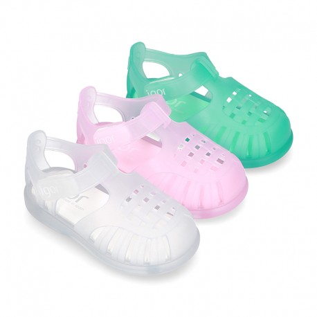 Classic style jelly shoes for the Beach and Pool with VELCRO strap closure.
