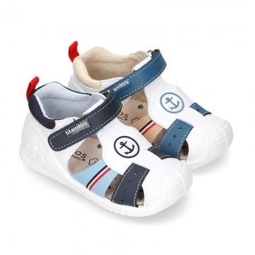 Nueva Sandalia con ANCLA niños pequeños con velcro, puntera y talonera en piel lavable.