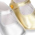 Nueva Mercedita bebé con botón y festón en piel METALIZADA.