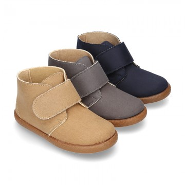 New Casual little ankle boots shoes with VELCRO strap in waxed canvas.