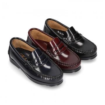 Zapato Mocasín clásico NIño con antifaz en piel Antik.