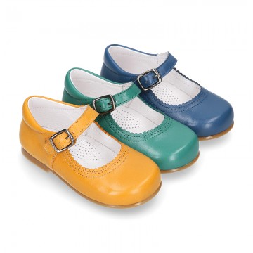 Fashionable Halter little Mary Jane shoes with buckle fastening in nappa leather and FALL colors.
