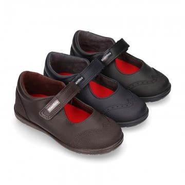 Stylized Mary Jane School shoes with hook and loop strap in washable leather.